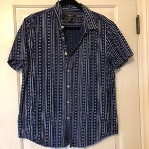 Forever 21 Blue Print wSail Wheels T-shirt Button